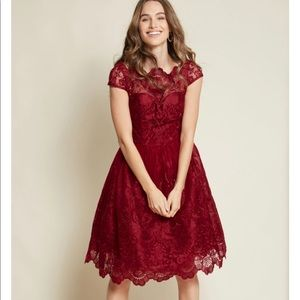 ModCloth Exquisite Elegance Lace Dress in Burgundy